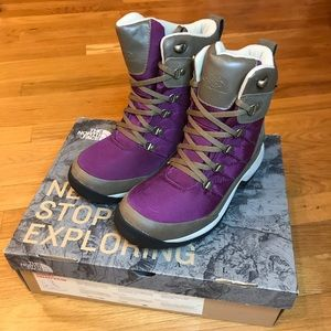 The North Face Chilkat Waterproof Boots Size 7 NEW